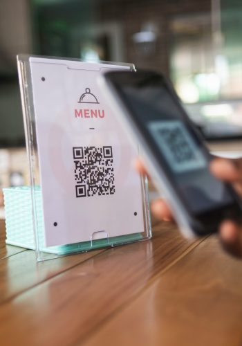 scanne qr code menu digital restaurant
